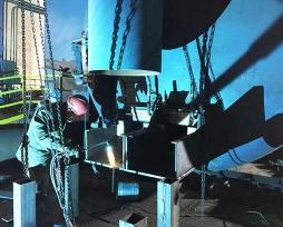 底吹吹炼炉铜水套现场安装照片