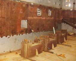 闪速炉沉淀池及贫化区铜水套现场安装照片1-2
